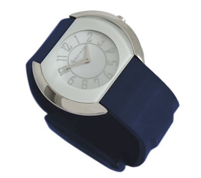 GPS watch for woman with ble strap and white dial
